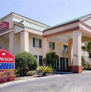 Ramada Limited Clearwater Hotel And Suites photos Exterior
