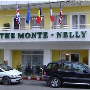 Monte Nelly photos Exterior