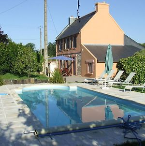 Cozy Vacation Home In Concarneau With Swimming Pool photos Exterior