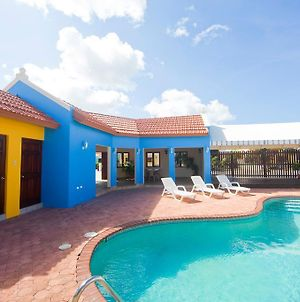 Yellow Cunucu Villa With Pool photos Exterior