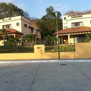 Gorgeous House For Rent In Huatulco photos Exterior