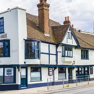 Corner House Canterbury photos Exterior