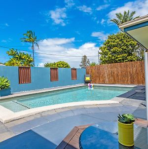 Coolum Waves Pet Friendly Holiday House photos Exterior