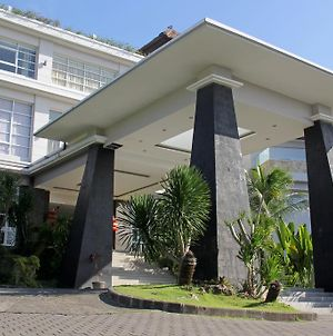 Reddoorz Near Dreamland Beach Uluwatu photos Exterior