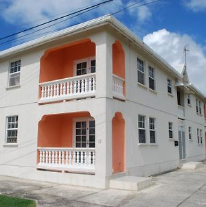 Peaceful Caribbean Airport Apartment photos Exterior