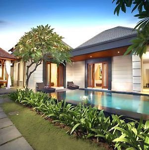 The Banyumas Suite Villa Legian photos Exterior