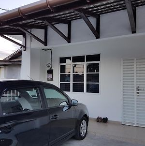 Ummi Guesthouse photos Exterior
