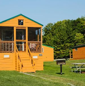 Plymouth Rock Camping Resort Deluxe Cabin 16 photos Exterior