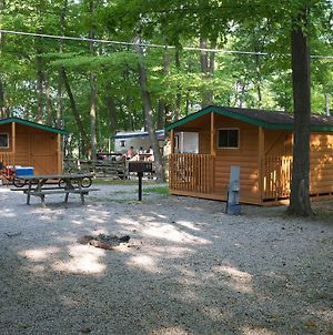 Plymouth Rock Camping Resort Studio Cabin 2 photos Exterior
