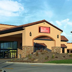 Ramada By Wyndham Des Moines Tropics Resort And Conference Ctr photos Exterior