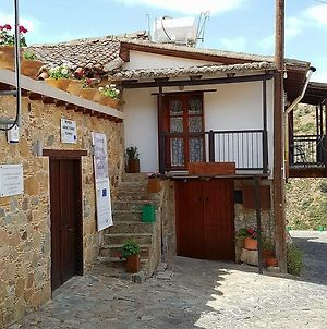 Guest House Aresti photos Exterior