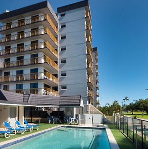 Coral Towers Holiday Suites photos Exterior