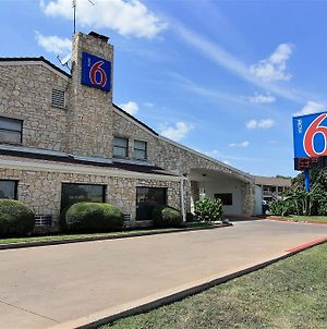 Motel 6 Austin, Tx - Central Downtown Ut photos Exterior