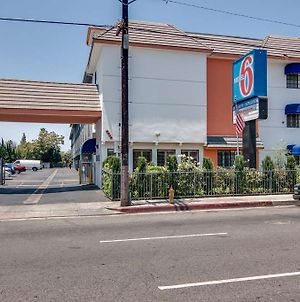 Motel 6 Van Nuys photos Exterior
