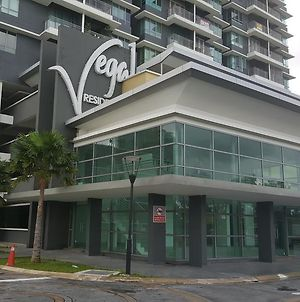 Vega Residensi By Kroll Home2Stay With Netflix Wifi 1 Bedroom Apt photos Exterior