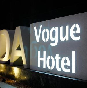 Yida Vogue photos Exterior