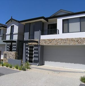 Swan Valley Townhouse photos Exterior