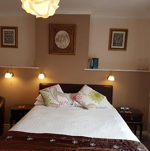 Penryn Guest House, Ensuite Rooms, Free Parking And Free Wifi photos Exterior