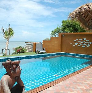 Villa Goldenmoon Beachfront Piscine photos Exterior