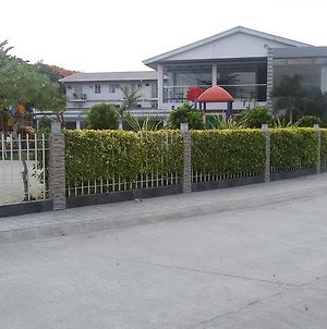 Pacific Coast Resort Residence Bf Homes Las Pinas photos Exterior