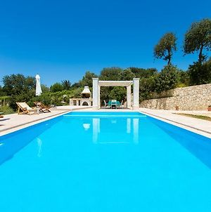 Villa Rosso Karrubo With Enormous Pool photos Exterior