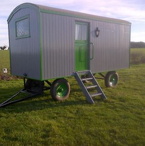 Shrublands Farm Shepherd'S Hut photos Exterior