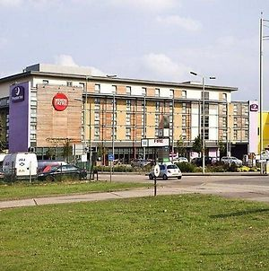 Premier Inn Watford photos Exterior