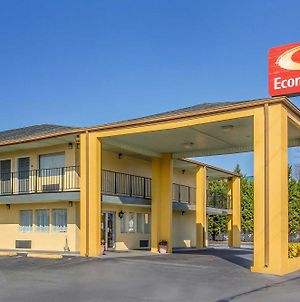 Econo Lodge Thomaston photos Exterior