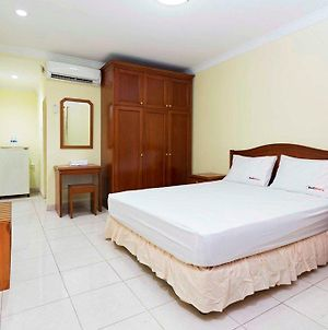 Reddoorz Near Ciputra World Kuningan photos Exterior