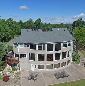 On Top Of The World Five Bedroom Holiday Home photos Exterior