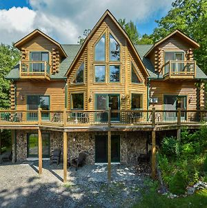Cozy Bear Chalet Four-Bedroom Holiday Home photos Exterior