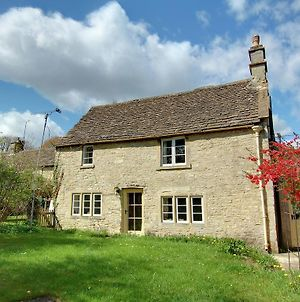 Rustic Cottage In Slaughterford With Fireplace photos Exterior
