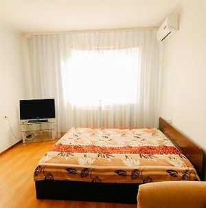 1 Room Apartment In City Centre On Maksima Gorkogo Street 83 photos Exterior