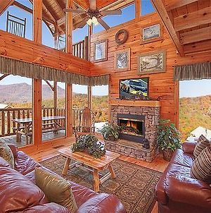 Mountain Seduction- Two-Bedroom Cabin photos Exterior