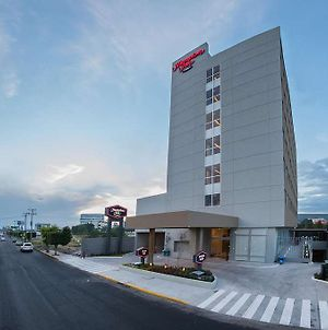 Hampton Inn By Hilton Irapuato photos Exterior