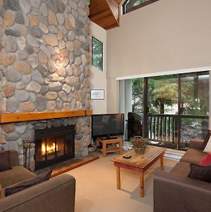Fall Special From 150 Per Night At Cozy 3 Bedroom Gables Walk To Whistler Village And The Lifts Fireplace Cable Tv Wifi Free Parking photos Exterior
