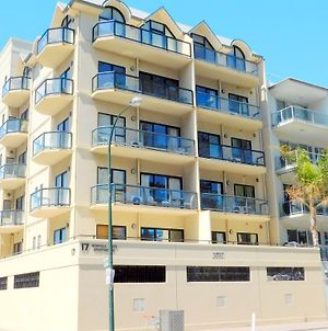 Glenelg Beachside Apartments photos Exterior