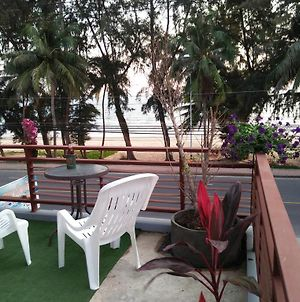 Rayong Seaview Apartment photos Exterior