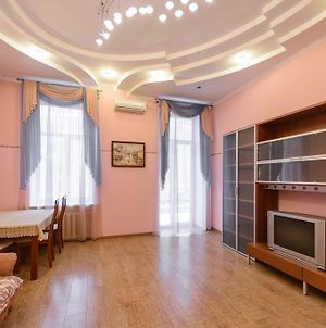 Kiev Accommodation Apartment On Basseinaya St. photos Exterior