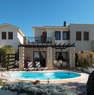 2 Bedroom Villa Kornos With Private Pool And Golf Views Aphrodite Hills Resort photos Exterior