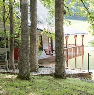 The Lake House A Hidden Gem Sleeps 4 photos Exterior