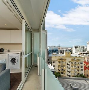 Bright And Airy One Bedroom Apartment:Great Views! photos Exterior