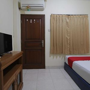 Reddoorz Near Ciputra World Kuningan 2 photos Exterior