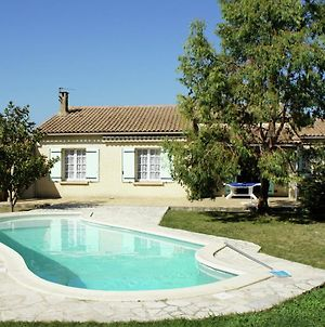 Cozy Holiday Home In Plan D'Orgon France With Swimming Pool photos Exterior