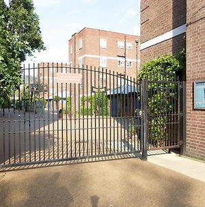 1 Bed Flat In Chelsea Off The Kings Road Sleeps 4! photos Exterior