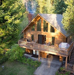 Flathead Lake Log Cabin photos Exterior