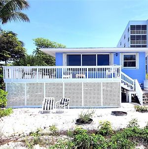 Pelican Beach Beach Front 4 S 4 Bedroom Home By Redawning photos Exterior