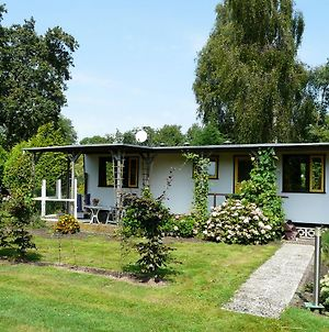 Authentically Furnished Chalet Near The Nieuwkoopse Plassen photos Exterior