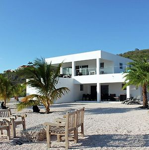 Modern Villa In Willemstad Curacao With Private Pool photos Exterior