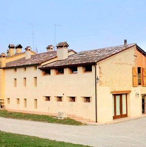 Homely Farmhouse In Pagnano Italy Near Forest photos Exterior
